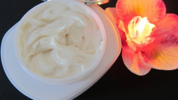 buy-night-cream-why-should-you-use-a-night-cream