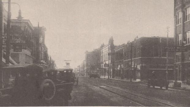 Street view of Downtown Okmulgee.