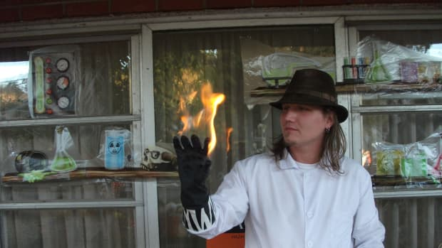 magictricklightingmoneyoryourhandonfirewithoutitburning