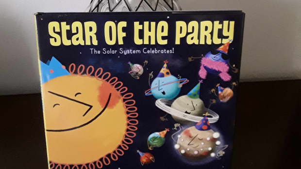 solar-system-party-and-fun-facts-to-learn-about-space-in-creative-picture-book
