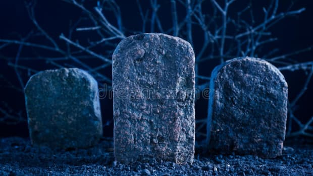 in-the-grave-poem-by-anas-tariq