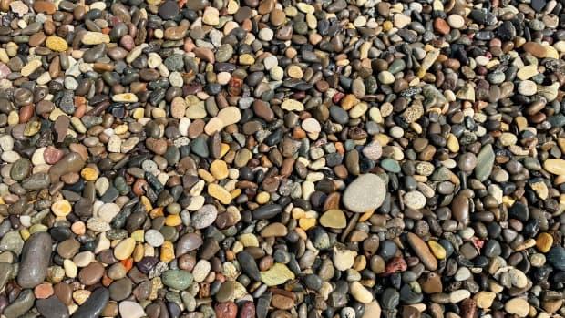 river-rocks-4-a-monster-calls-under-pressure-and-holus-bolus