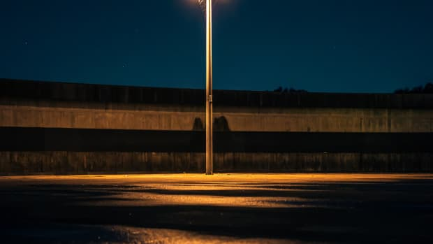 the-darkness-and-the-street-light