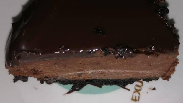 how-to-make-flourless-chocolate-oreo-cheesecake