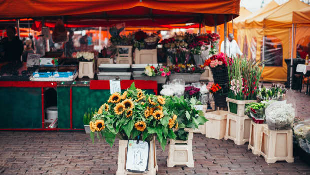 farmers-markets-and-events-how-to-decide-where-to-sell-your-products