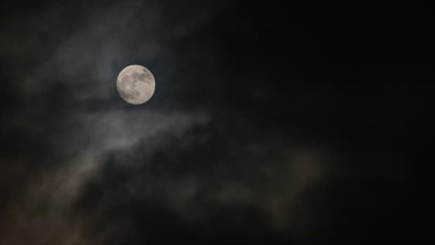 the-hunters-moon