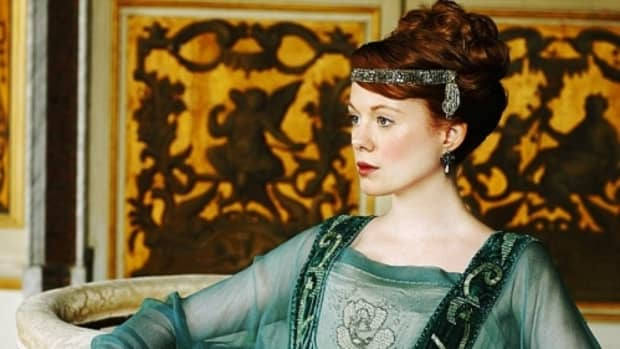 top-11-best-costumes-from-season-2-of-downton-abbey
