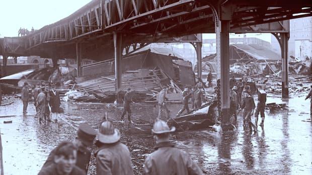 molasses-kills-21-in-deadly-flood