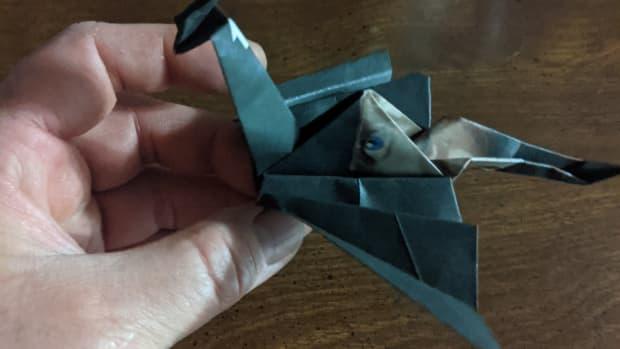 origami-paper-folding-dragon