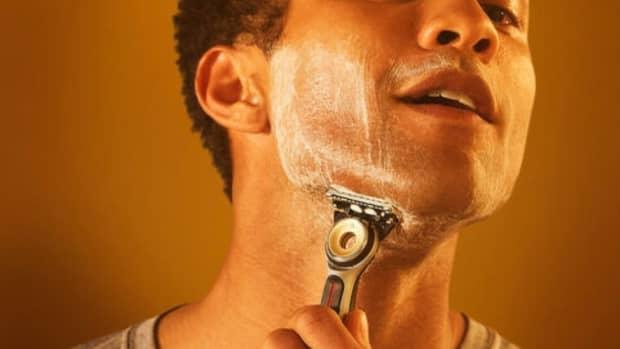 the-gillette-gillettelabs-heated-razor-travel-kit-brings-the-heat-to-mens-shaving