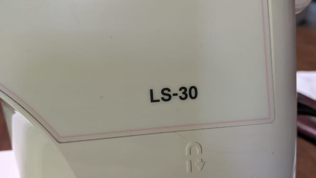 sewing-machine-brother-ls-30-oiling
