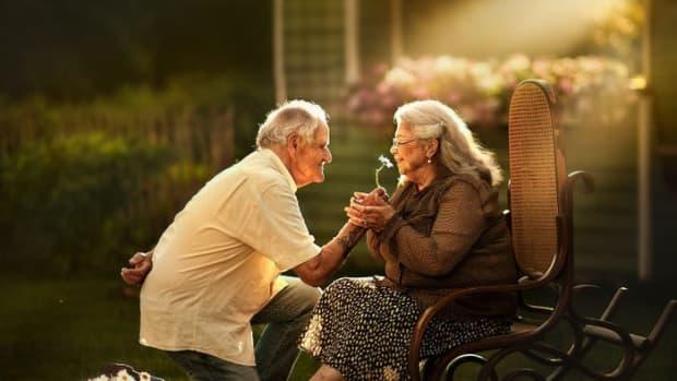 the-sad-hurdles-of-senior-citizen-internet-dating