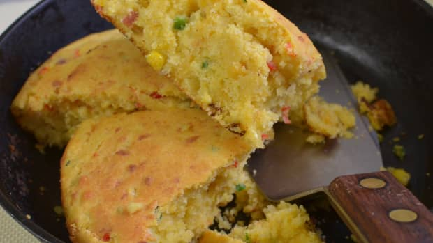 cornbread-the-universal-table-dish
