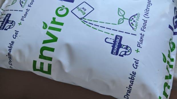 enviro-ice-using-for-plant-food