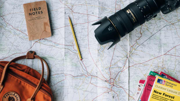 5-things-to-have-with-you-while-traveling