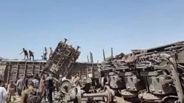 sohag-train-accident-in-egypt