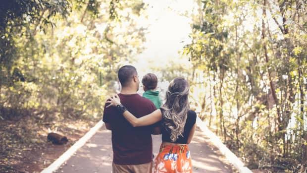 parents-favor-and-debt