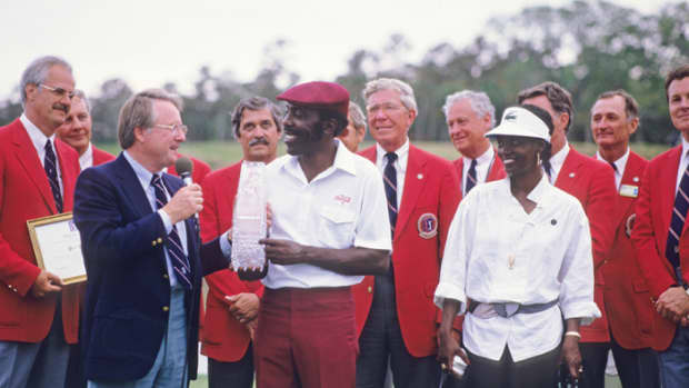 calvin-peete-known-as-mr-accuracy-of-golf