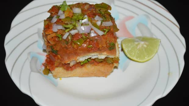 masala-pav-recipe-pav-bread-filled-and-topped-with-spicy-masala
