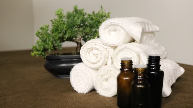 top-6-essential-oils-for-your-skin-and-hair-benefits-and-usage