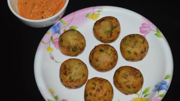 crunchy-delicious-potato-and-gram-flour-snacks-recipe
