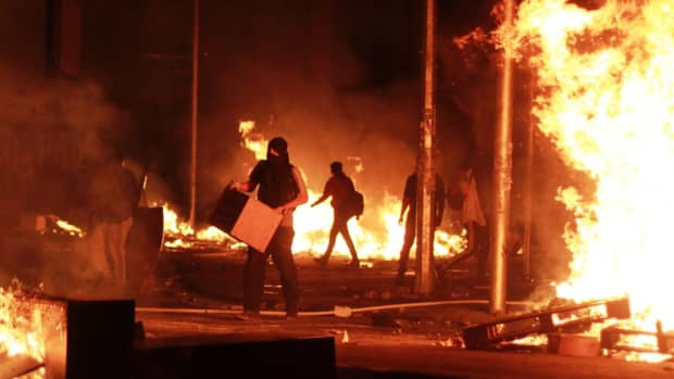 does-violence-achieve-more-change-than-peaceful-protests