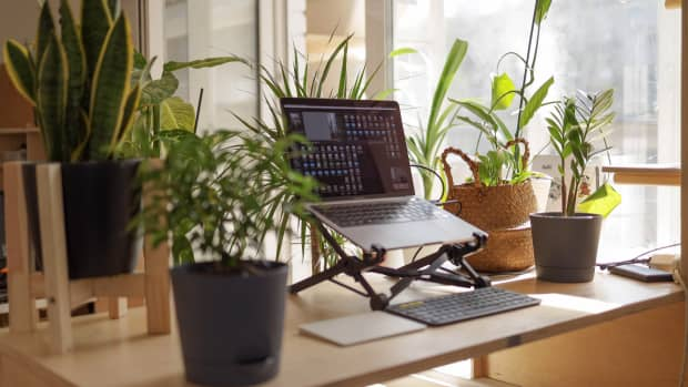 misconceptions-myths-about-freelancers-working-from-home