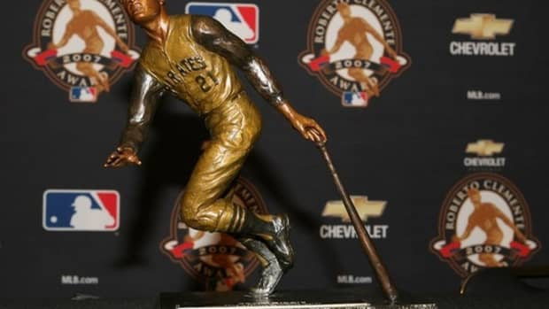 the-top-five-roberto-clemente-baseball-cards