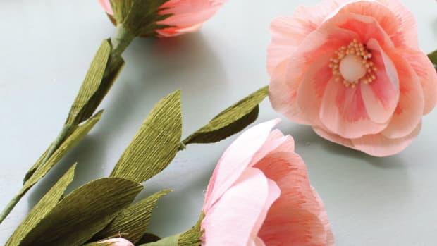 creating-crepe-paper-flowers