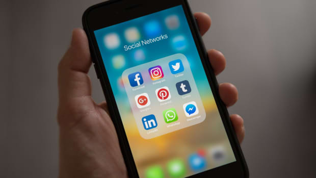 five-benefits-of-social-media-for-the-manufacturing-sector