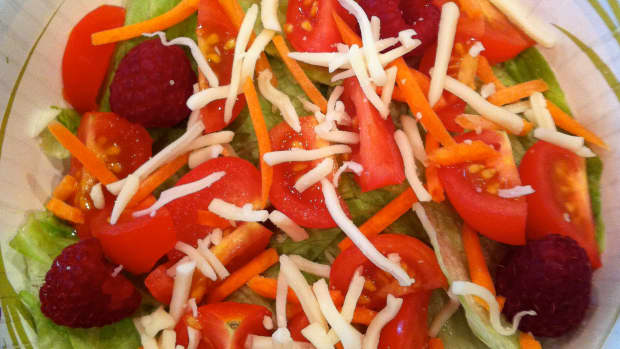 raspberry-and-tomato-salad-recipe