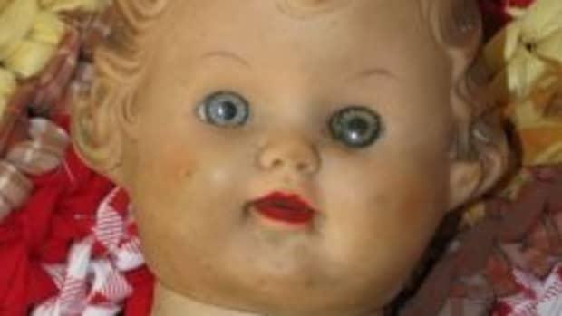 vintage-plastic-vinyl-dolls