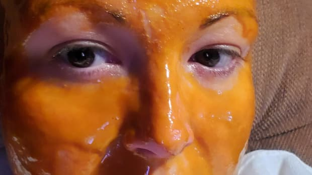 manuka-honey-turmeric-olive-oil-skin-care-mask