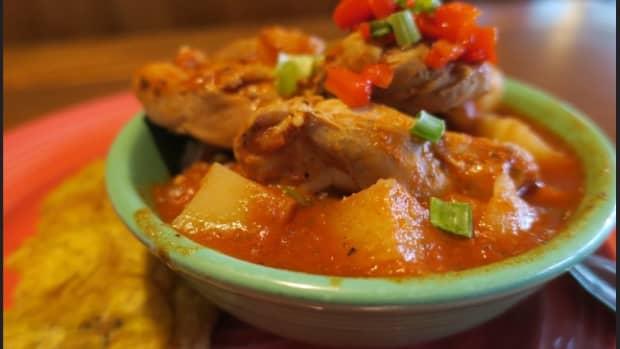 island-bites-puerto-rican-pollo-guisado
