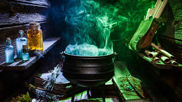 8-archaic-superstitions-about-witches