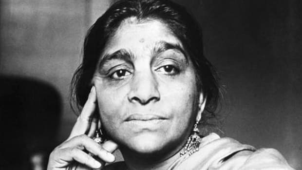 great-indian-freedom-fighters-influential-orators-and-poetess-is-sarojini-naidu