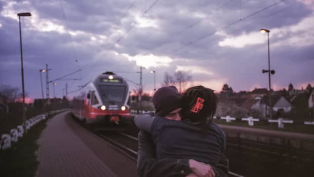 7-long-distance-relationship-gifts-to-show-you-care