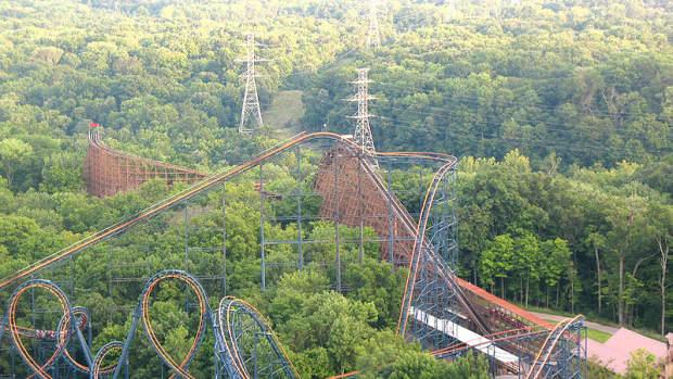 the-beast-roller-coaster-at-kings-island-ohio