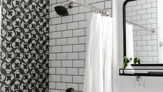 diy-how-to-remove-shower-doors-from-a-bathtub-an-easy-step-by-step-guide