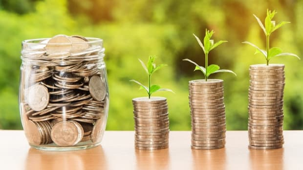 why-investing-money-is-more-important-than-saving-it