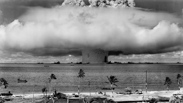 top-10-amazing-stories-involving-nuclear-explosions