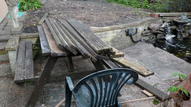 recycling-salvaged-decking-and-offcuts