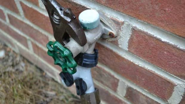 how-to-repair-a-leaking-outdoor-faucet