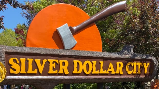 silver-dollar-city-visit-this-unique-family-destination-in-the-missouri-ozarks-have-fun-while-visiting-the-past