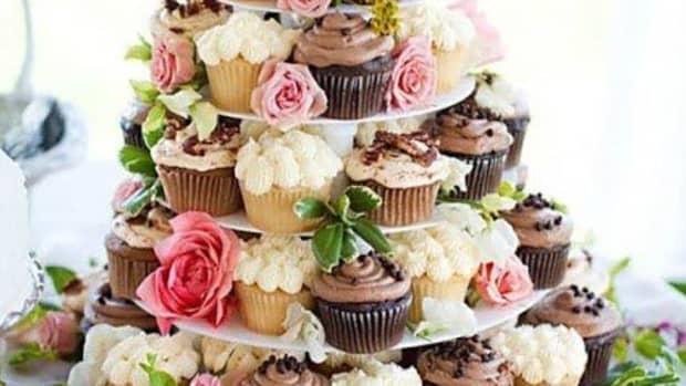 cupcakes-are-replacing-traditional-wedding-cakes
