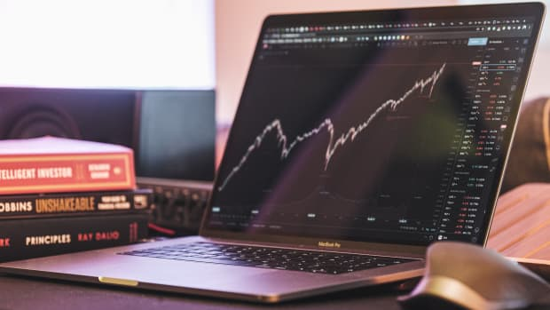 four-security-trading-mistakes-to-avoid-for-career-investors