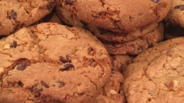 chewy-crunchy-chocolate-chip-cookies