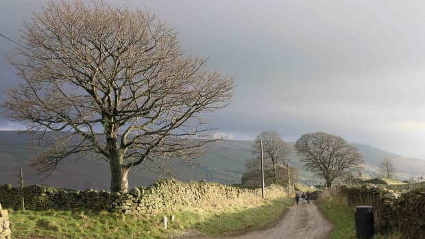 travel-north-27-follow-the-infant-nidd-around-the-caves-and-upper-dale