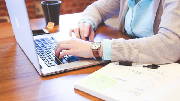 how-to-communicate-with-clients-as-a-freelance-writer