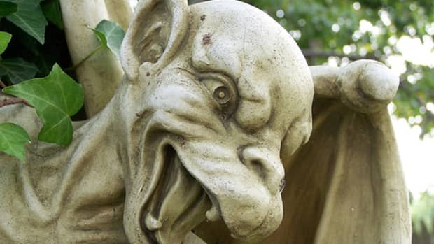 gargoyle-statues-are-back-in-vogue